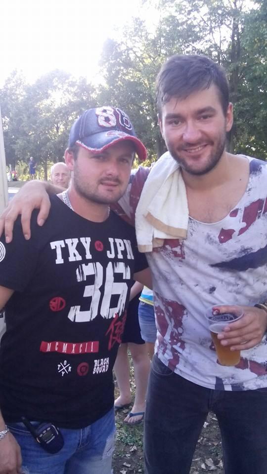 vlevo moderátor Petr Dvořák (zpěvák-producent), vpravo Marek Ztracený