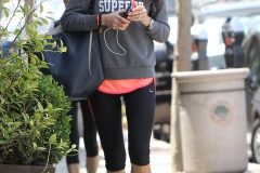 jordana-brewster-in-leggings-out-in-brentwood-may-2015_5