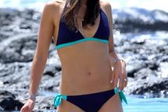 jordana-brewster-in-bikini-at-a-beach-in-hawaii_1